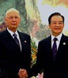 温家宝会见世界经济论坛主席施瓦布