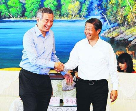 李显龙 新加坡与新疆可加强社会管理合作