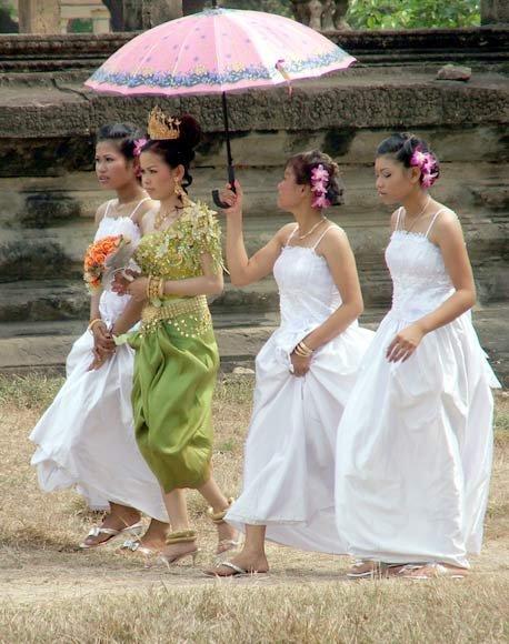 柬埔寨女人村_神秘的柬埔寨女人村村里没有一个成年男人4