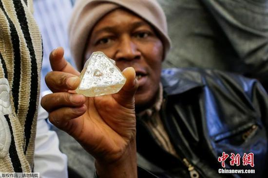 709克拉钻石原石将再拍卖 比鸡蛋还大
