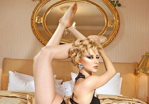 俄美女拍最柔软写真组图