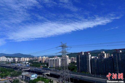 """北京雾霾后迎晴空好天气 """"北京蓝天""""成热词"""