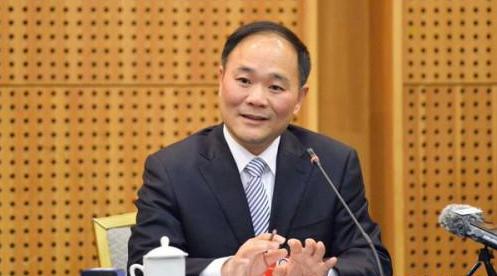 「网红」政协委员李书福: 十五年来都提了哪些议案?