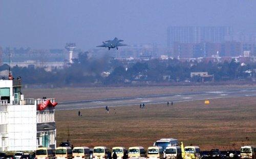 中国军队第三次全面提薪 士官涨幅一律为40%
