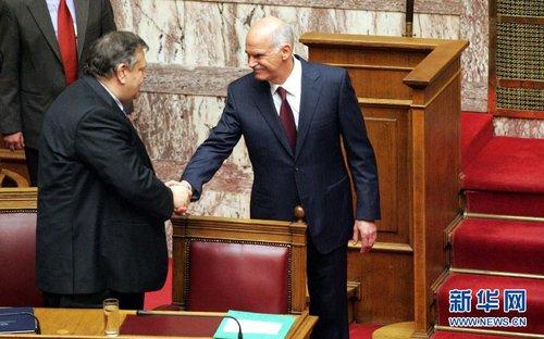 希腊政府赢得议会信任投票