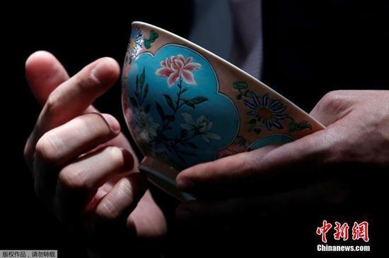 清康熙珐琅彩碗领衔苏富比 预计成交价逾2亿港元