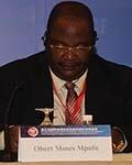 津巴布韦交通与基础设施发展部部长Obert Moses Mpofu
