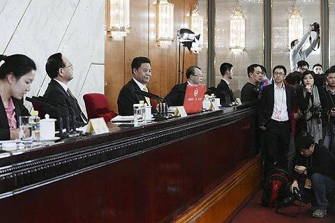 2013年3月2日,北京,新闻发布会现场。