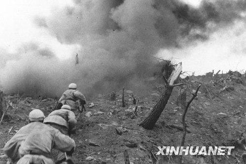 中国人民志愿军在朝鲜战场上英勇战斗坚决抗击侵略者.新...