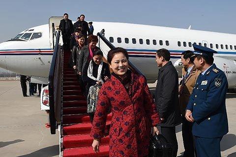 2015年3月2日,参加全国两会的代表陆续抵京。