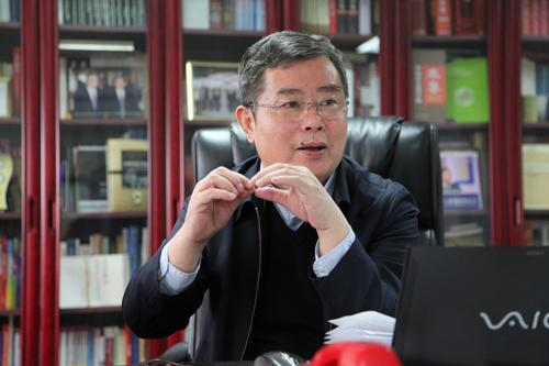 社会科学院副院长李扬:中国房地产市场面临4个重要问题