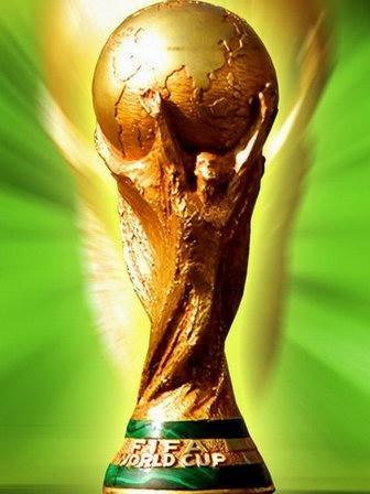 英国化学教授称世界杯足球赛奖杯是空心的