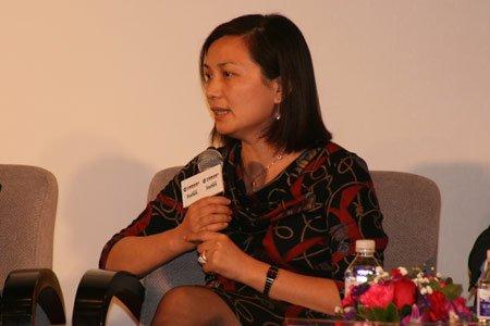 图为:诺亚中国财富中心总经理汪静波发言