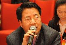 华夏银行刘�L臣回答现场记者提问
