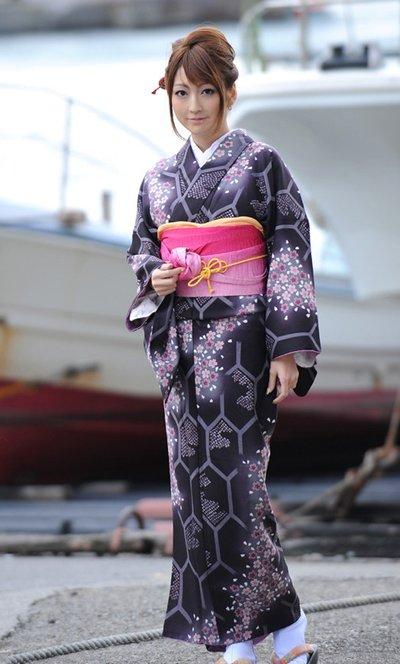 揭秘日本女人和服里隐藏的秘密_财经_腾讯网