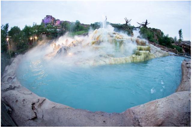 全球六大迪士尼乐园中 雨热同期的上海最不科学?