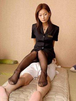 职场美女遇性骚扰或潜规则?