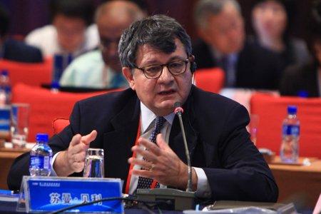 图文:印度国际发展中心经济顾问苏曼-贝利