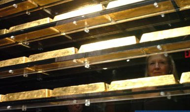 中国等60国将黄金储备存在美国 德国欲运回被拒