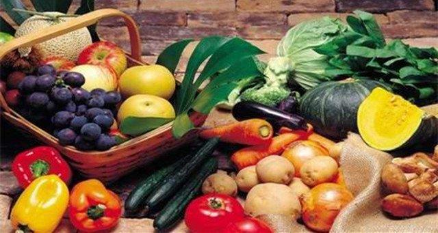 水果不是想吃就吃 老年人吃水果要讲究这些
