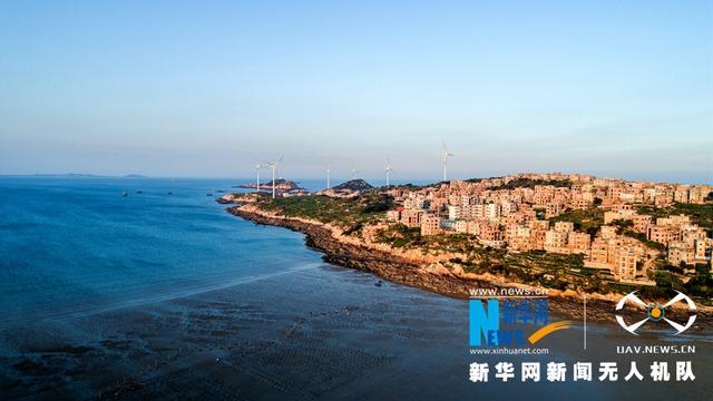 位于福建泉州市惠安县小岞镇的风车岛三面环海,景色迷人,国庆黄金周