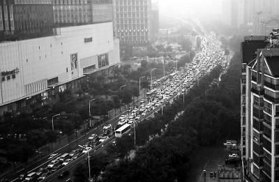 交警盘点福建省内易堵路段 公布分流路线引导绕行