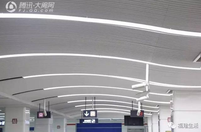 颜值爆表!福州地铁1号线金鱼主题车厢曝光