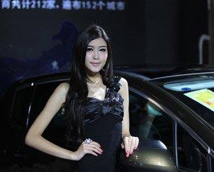 福州车展中靓丽的模特
