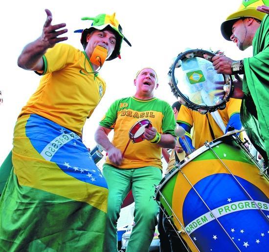 福建记者巴西访球迷:球队回家了,球迷去哪儿?