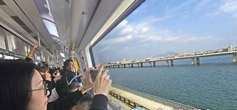 厦门地铁1号线正式开通 24个站点开门迎客