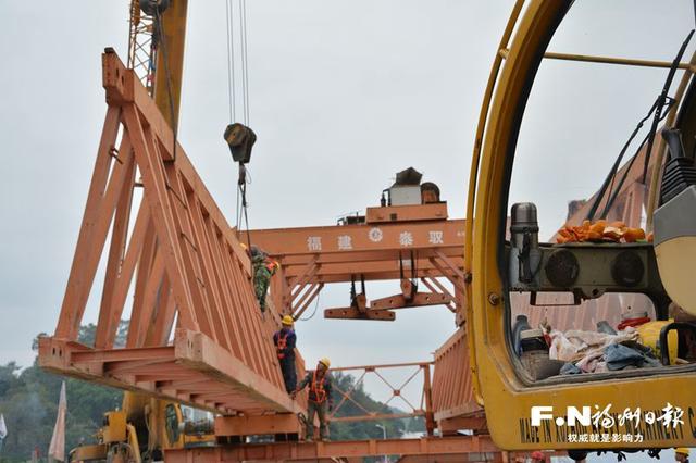 闽清溪口大桥重建工作再提速 架梁机械已入场