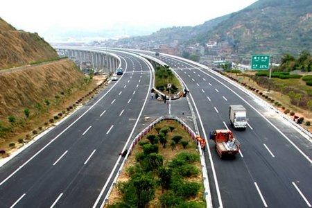 琴亭湖元旦前完工 机场高速二期明年10月完工