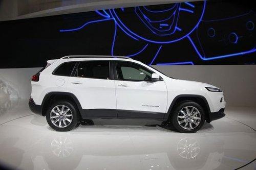 jeep自由光或年底上市 配备9at高清图片