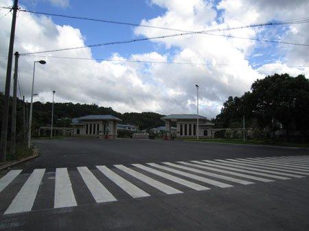重新施划人行横道线 铜盘路18条斑马线换新装
