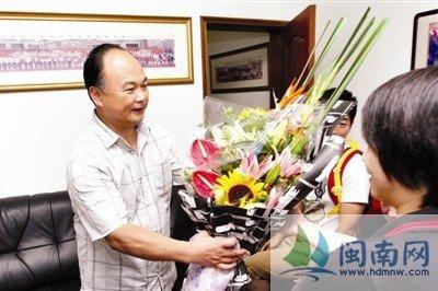 """福州金牌教练陈文斌:""""福建举重已完成任务"""""""