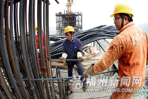 林浦大桥双塔月底前封顶 明年国庆前将通车
