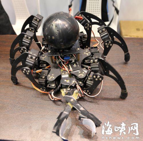 来自云南职校的蜘蛛仿生探测机器人
