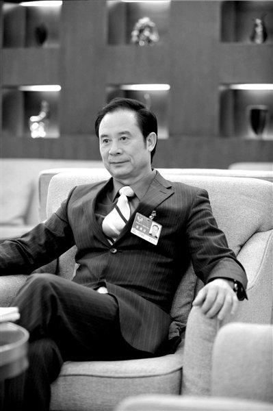 黄文仔:想赚钱就别当官 土地拍卖推高房价