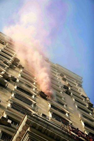 榕中亭街高楼大火 牵出商住两用房消防隐患