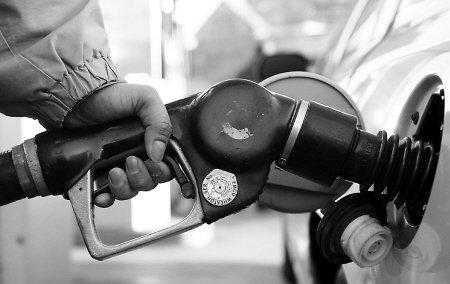 成品油市场中间环节利益寻租严重