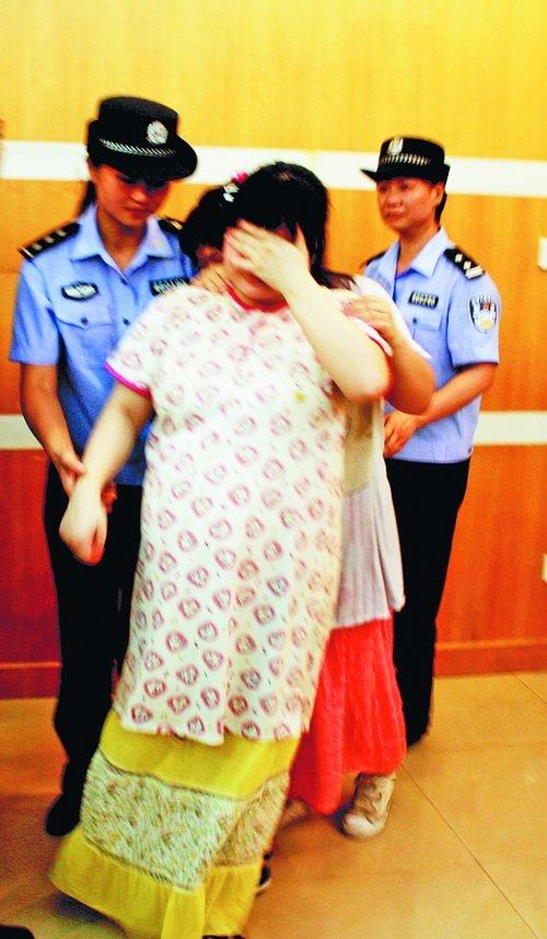 智障双胞胎被拐当老婆:父母拒领 警方安顿姐妹
