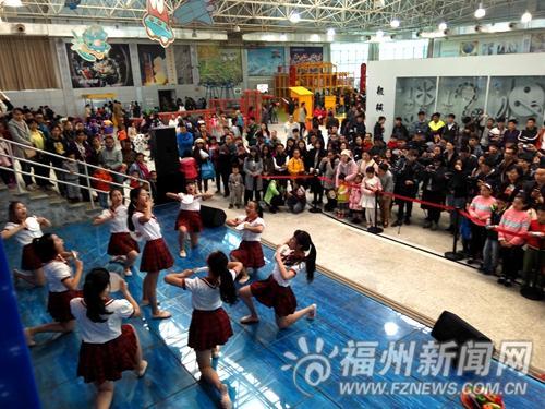 第六届在榕大学生才艺展演举办 数千市民前来参加