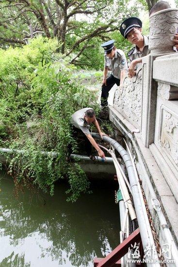 女子深夜跳西湖轻生 保安轮流人工呼吸救回一命