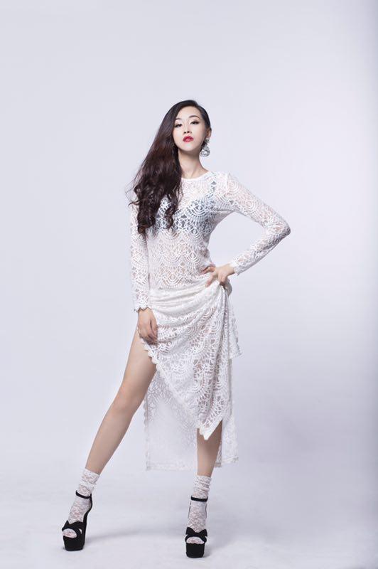 致敬哥哥张国荣 福建籍艺人携手重现经典《深情相拥》