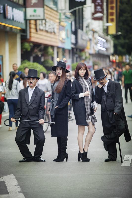 卓别林现身中山路步行街 RF演绎时尚经典 大