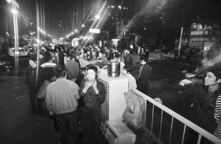 台江中选社区昨夜大火39户受灾 暂无人员伤亡