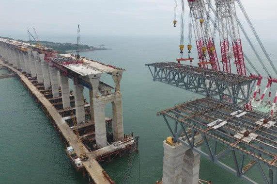 平潭海峡公铁两用大桥最后一孔简支钢桁梁成功架设