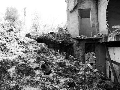 福州马尾魁岐炮台被渣土埋没 石碑被人挖走