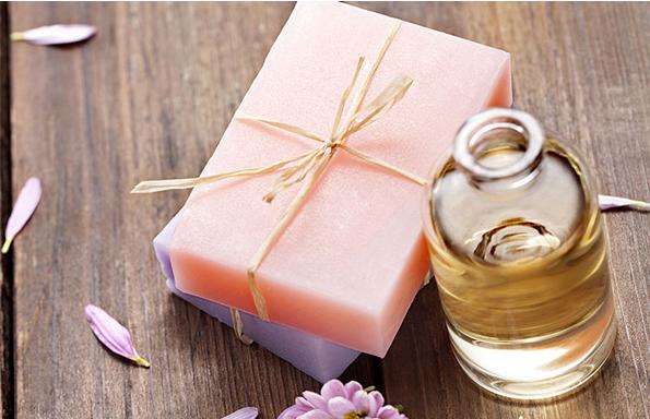 皂基洗面奶伤皮肤? 敏感肌冬天更适合氨基酸洗面奶