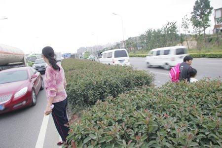 24小时内福峡路再夺两命 一年吞噬16条生命